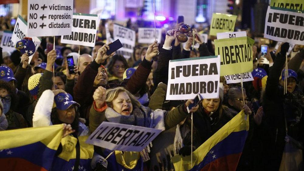Casi un millar de detenidos en protestas contra Maduro: ONG - Foto de AP