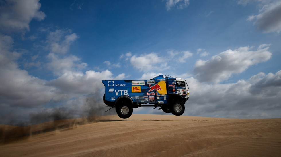 #Video Expulsan a piloto ruso del Rally Dakar por atropellar a espectador - Foto de AFP