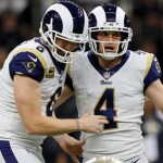 Rams al SuperBowl - Greg Zuerlein, 4 de Los Angeles Rams celebrando con Johnny Hekker (6), tras gol de campo. Kevin C. Cox/Getty Images/AFP