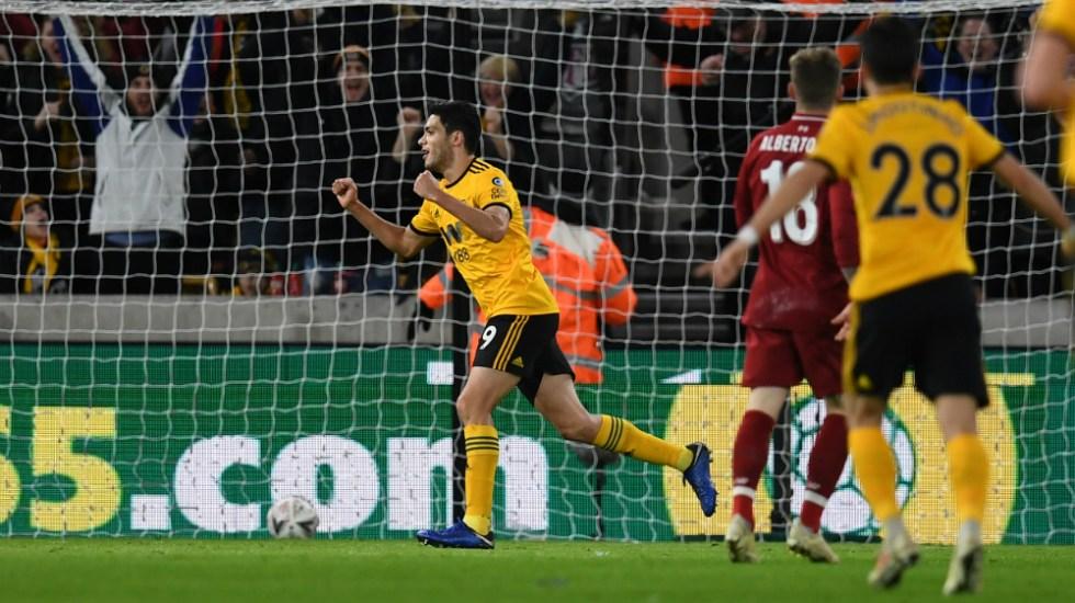 Wolverhampton elimina al Liverpool de la FA Cup; Raúl Jiménez anota - Foto de AFP