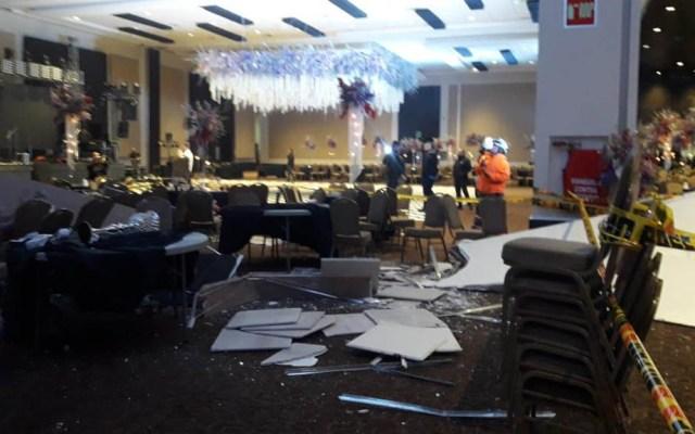 #Video Desplome de techo en graduación deja 5 heridos - Techo caído en salón de graduación. Foto de Internet