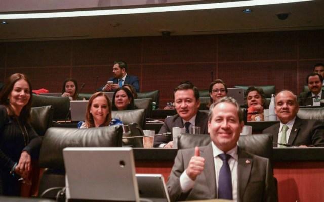 """Senadores del PRI piden al gobierno federal """"reconocer a autoridades legítimas de Venezuela"""" - Foto de Miguel Ángel Osorio Chong"""