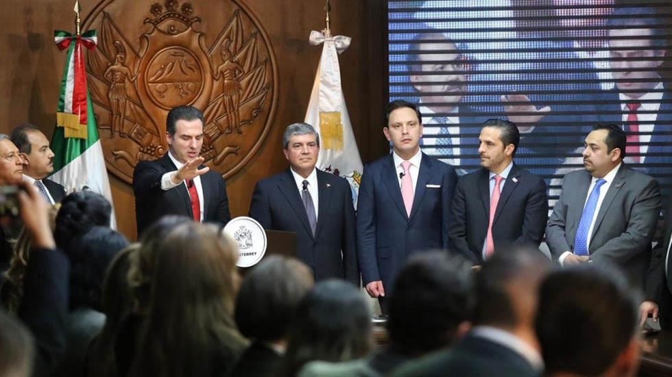 Adrián de la Garzatoma protesta como alcalde de Monterrey - Foto de Milenio
