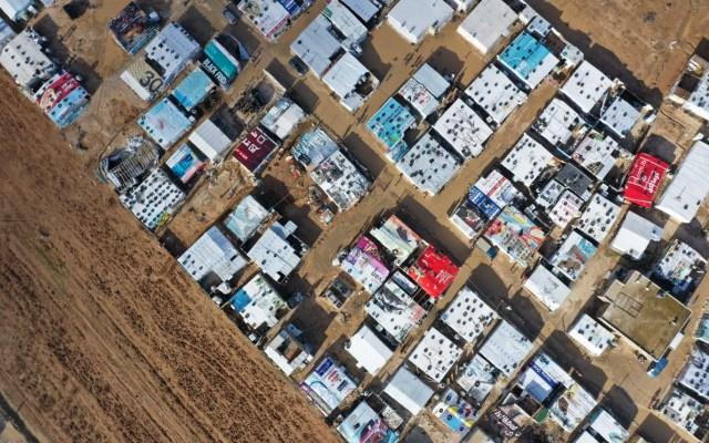 Campamento de refugiados en Líbano. - Imagen aérea de un campamento para refugiados en Delhamiyeh, Líbano. Foto de AFP.