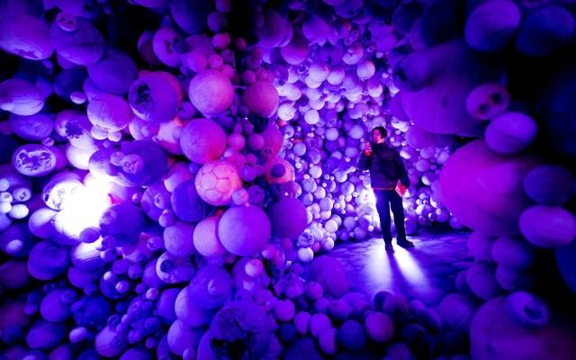 Exposición 'Connecting Time' en Amsterdam. - El artista neoyorquino Daniel Arsham expone su obra 'Connecting Time' en el Museo de Arte Contemporáneo de Amsterdam. Foto de AFP.