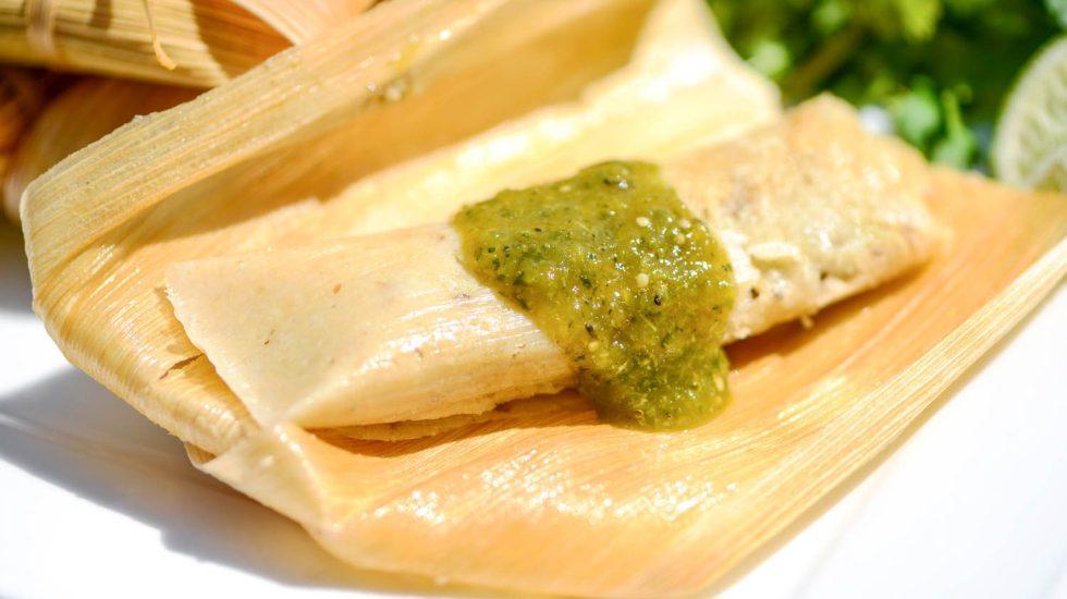 Los tamales, un antiguo platillo mexicano - Foto de archivo.