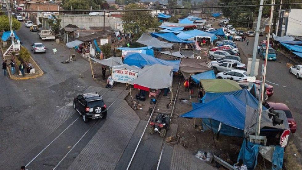 La CNTE bloqueó diversas vías férreas de Michoacán en exigencia de pagos. Foto de SUN