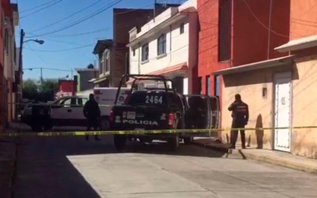 Encuentran dos cadáveres en casa de Toluca - Foto Especial