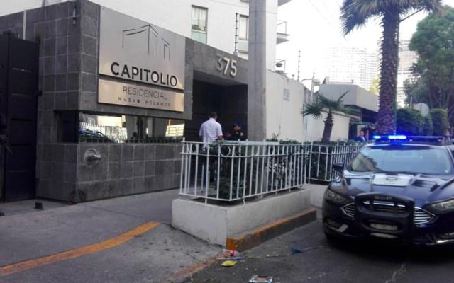 #Video Desalojan edificio de la Anáhuac tras amenaza de bomba - Foto de @alertasurbanas