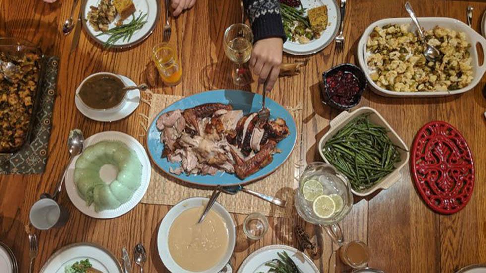 Cena de Acción de Gracias hecha en HOMEChem. Foto de @marinavance
