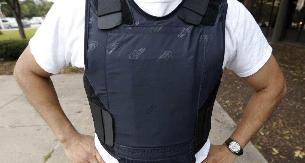 Violencia en México dispara la demanda de blindajes y chalecos antibalas - chaleco antibalas violencia