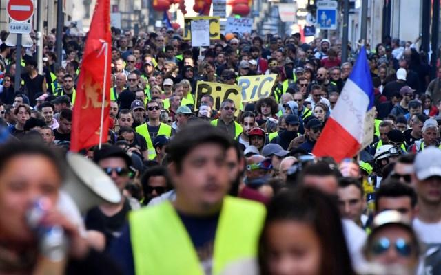 """""""Chalecos amarillos"""" se manifiestan por 15 semana consecutiva en Francia - Foto de AFP"""