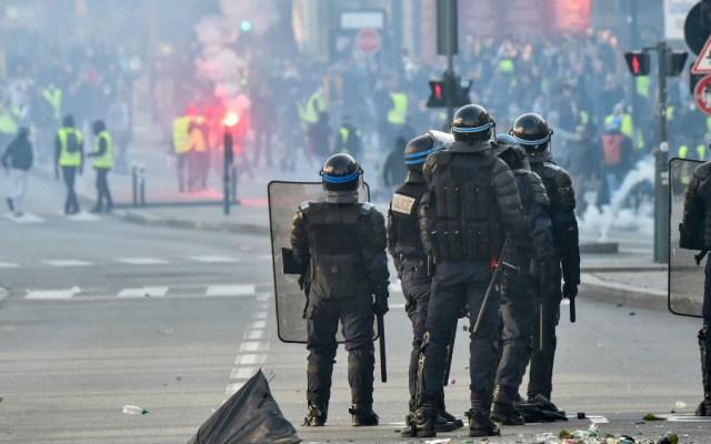 Movilizan a militares por chalecos amarillos en Francia - Foto de AFP