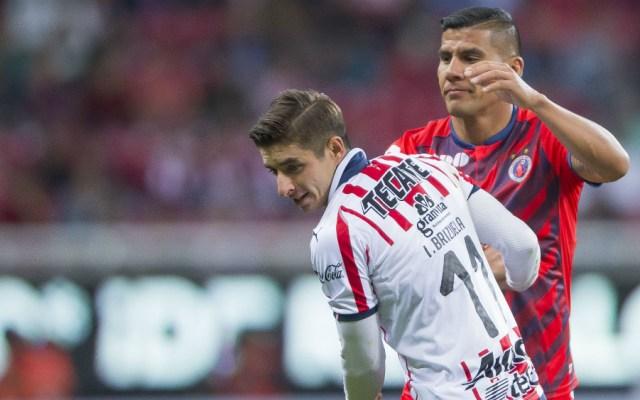 Chivas empata con Veracruz y deja ir liderato - Foto de Mexsport