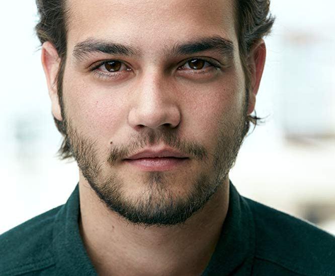 El joven actor Daniel Zovatto destaca en la lista de latinos que triunfarán en 2019 - El actor Daniel Zovatto nació en Costa Rica. Foto imdb.com - Paul Smith.