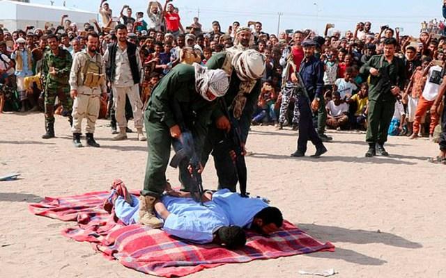 Ejecutan en público a dos hombres por violar a niño enYemen - Foto de Reuters