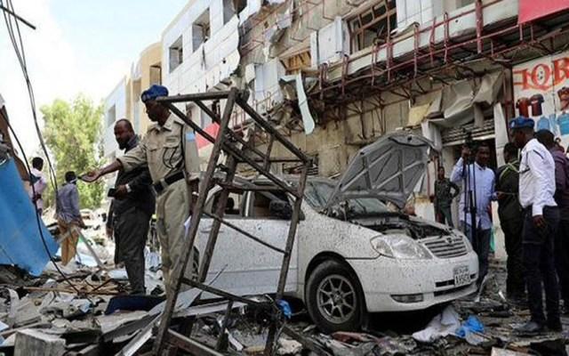 Explosión de coche bomba deja 12 muertos en Mogadiscio - Explosión en Mogadiscio. Foto de Internet