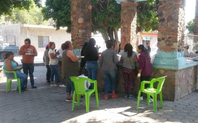 Zócalo de Huexca se queda sin casilla por motivos de seguridad - Pobladores de Huexca acudieron al sitio de la casilla para evitar su instalación. Foto de Milenio