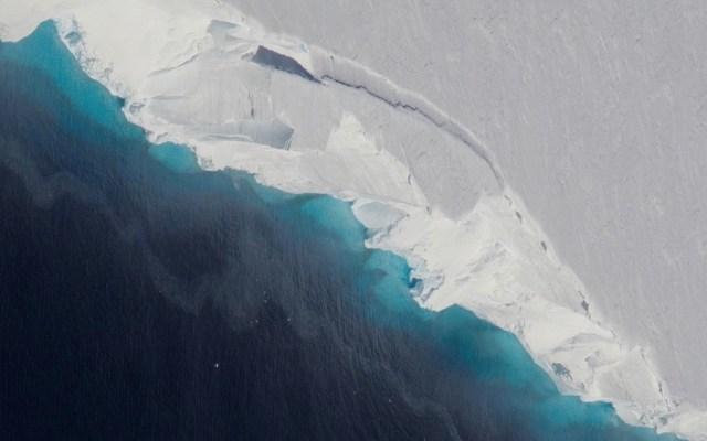 Derretimiento del glaciar Thwaites afectará costas mexicanas - Vista aérea del glaciar Thwaites. Foto de NASA