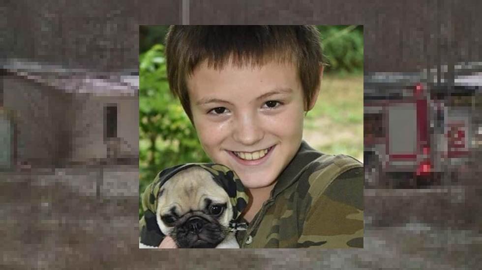 Niño muere en incendio tratando de salvar a su perro - Hunter Ray de 12 años murió intentando salvar a su perro Pugley. Foto de Internet