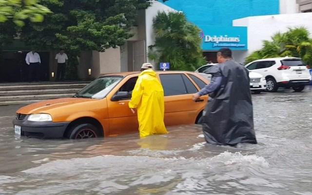 Suspenden clases en todos los niveles de Playa del Carmen - Inundaciones en Playa del Carmen, QRoo. Foto de @QuintanaRoo_hoy
