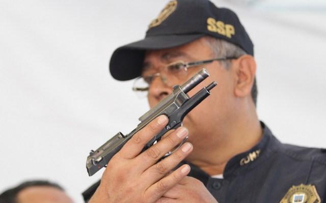 Gobierno capitalino inicia campaña de desarme en Iztapalapa - Foto de Notimex