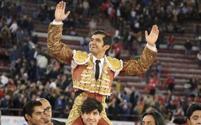Joselito Adame sale en hombros de la Plaza México - Joselito Adame salió en hombros de la Monumental. Foto de @LaPlazaMexico