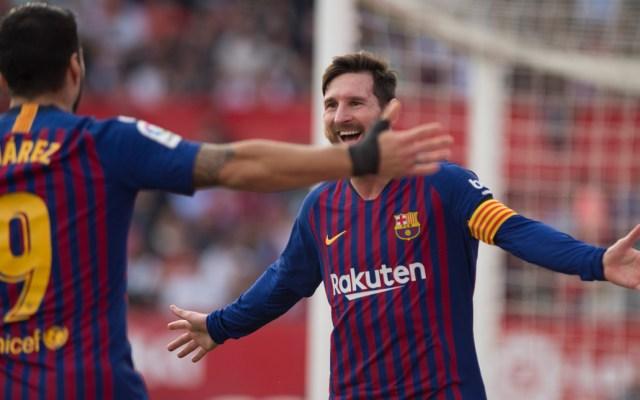 #Video 'Hat-trick' de Messi en victoria del Barcelona contra el Sevilla - Lionel Messi fue el autor de tres goles y una asistencia apara el Barcelona que se impuso 4-2 este sábado en su visita a Sevilla. Foto de AFP