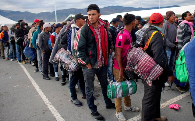 EE.UU. traslada 250 militares a la frontera con Coahuila por caravana migrante - Foto de Reuters