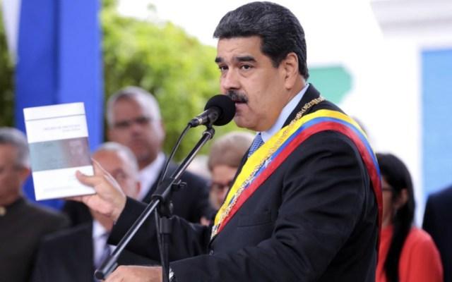 Chile prohíbe ingreso de venezolanos vinculados a Maduro - Maduro