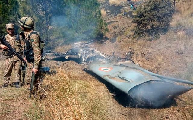 Pakistán derriba dos aviones indios y captura a pilotos - Foto de AFP