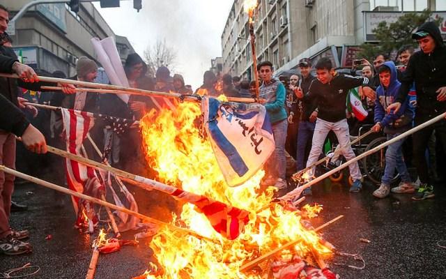 Iraníes celebran el 40 aniversario de la Revolución Islámica - Irán prometió este lunes el fracaso de los