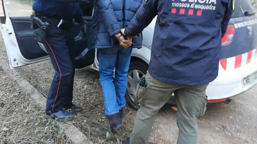 Desarticulan banda de ladrones liderada por contorsionista en España - Rumano contorsionista detenido por robo a bares de España. Foto de Mossos d'Esquadra