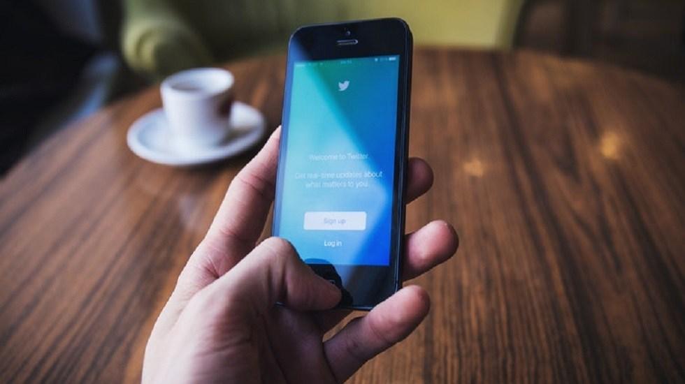 SCJN discutirá iniciativa para que funcionarios no bloqueen en Twitter - Twitter. Foto de freestocks.org