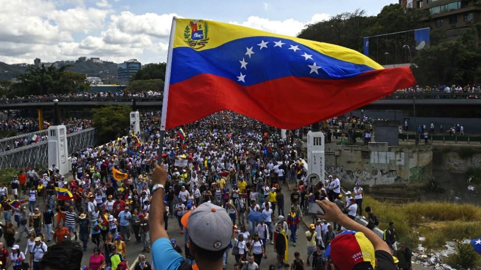 EE.UU. responsabiliza a Maduro por integridad de presos estadounidenses en Venezuela - Foto de AFP
