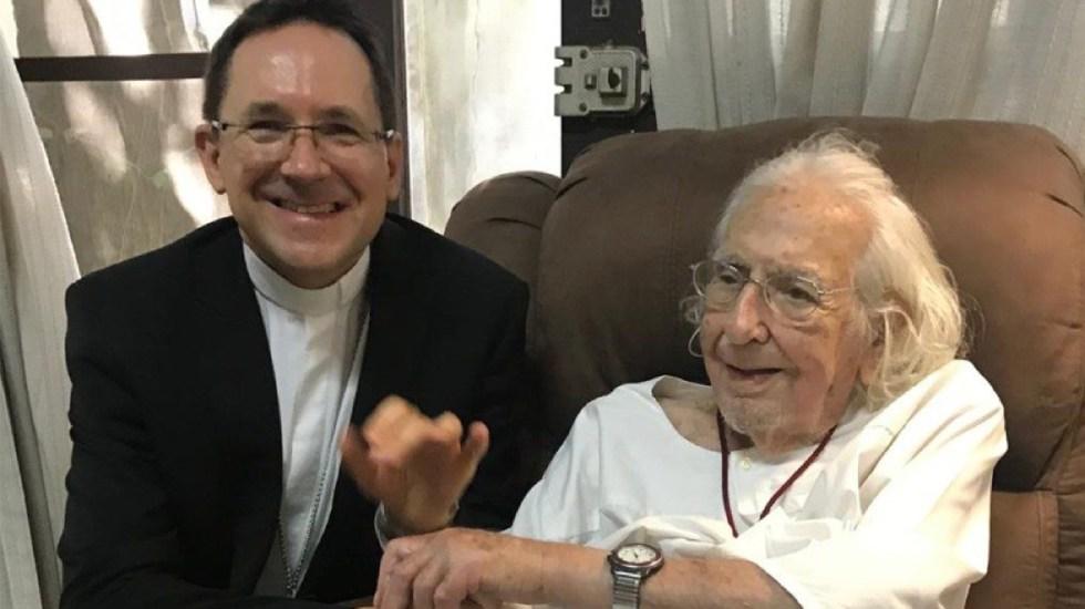 El papa termina suspensión de Ernesto Cardenal, teólogo de la liberación - ernesto cardenal fue perdonado 35 años despues por el papa francisco