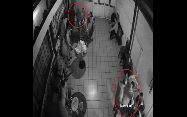 #Video Asaltan a deudos durante velorio en Iztapalapa - Asalto en velorio. Captura de pantalla