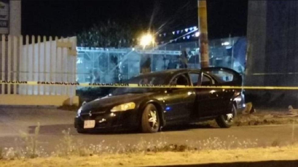 Funcionarios de Guanajuato asesinados no habían sido amenazados - Auto en el que viajaban funcionarios. Foto de Así Sucede León