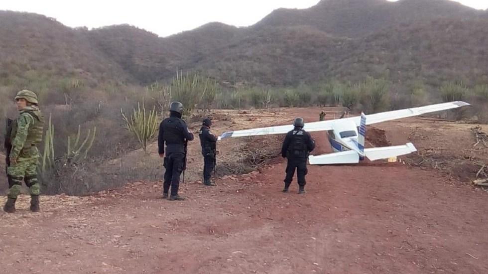 Sedena asegura avioneta cargada de cocaína en Guerrero - Avioneta en Coahuayutla, Guerrero. Foto Especial
