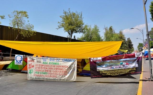 CNTE acepta diálogo con el Gobierno Federal - Bloqueo de la CNTE afuera de San Lázaro. Foto de Notimex