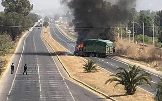 Nuevos bloqueos y quema de vehículos en Guanajuato - Foto de Twitter