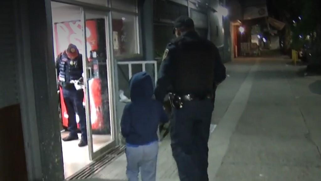 Bruno siendo ingresado a la Fiscalía para la Atención de Niños y Adolescentes. Captura de pantalla