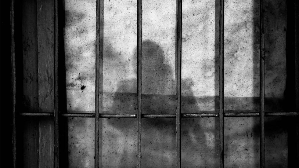 Sentencian a tres miembros del Cártel Jalisco Nueva Generación - Imagen ilustrativa de una celda. Foto de Ye Jinghan para Unsplash
