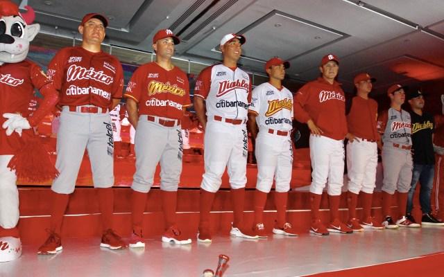 Diablos Rojos presentan nuevo uniforme para temporada 2019 - Foto de Notimex