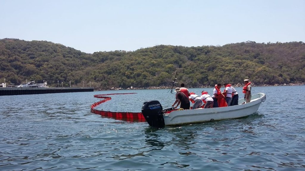 Hundimiento de barco provoca derrame de diésel en Puerto Marqués - hundimiento diésel puerto marqués
