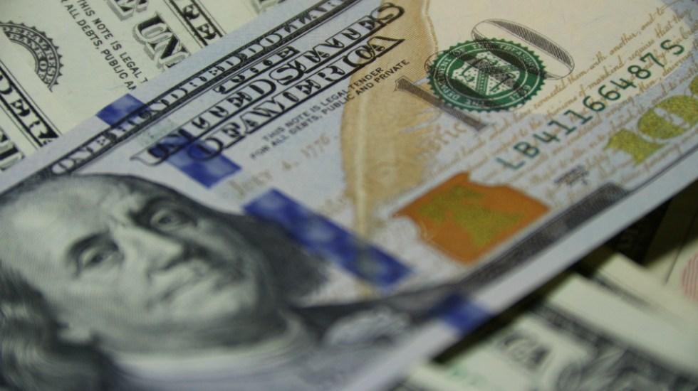 Detienen a extranjeros en AICM con más de 137 mil dólares y otras divisas - Foto Vladimir Solomyani para Unsplash