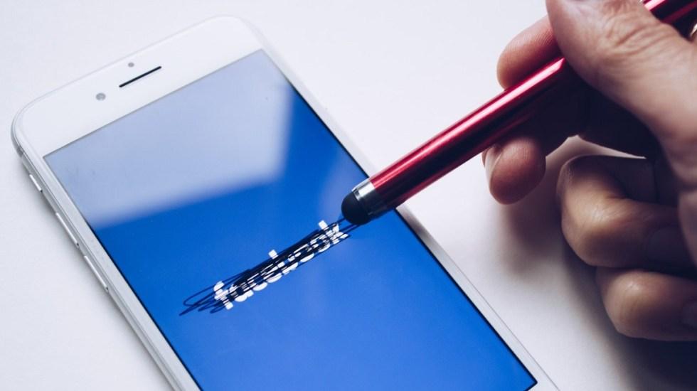 Facebook trabaja para resolver fallas en conexión - Facebook. Foto de @thoughtcatalog