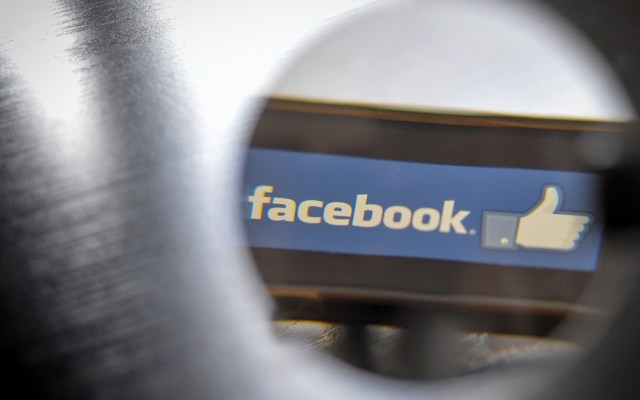 Facebook se disculpa por fallas - Foto de AFP