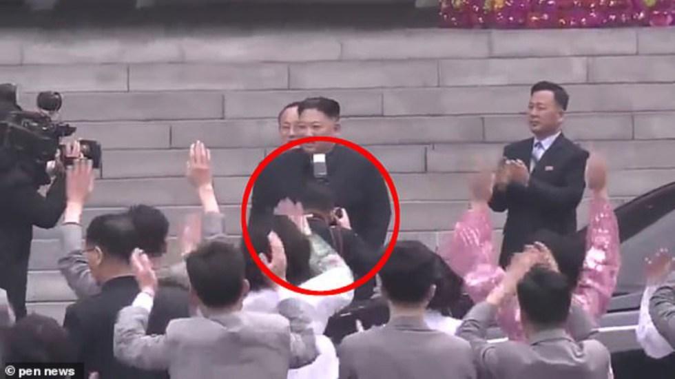 Despiden a fotógrafo por impedir que la gente viera a Kim Jong-un - Foto de Penn News