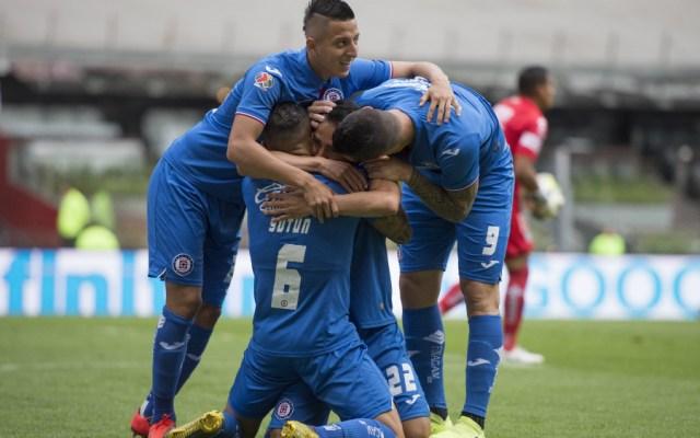 Cruz Azul golea a Pachuca y se mete a zona de calificación - Foto de Mexsport